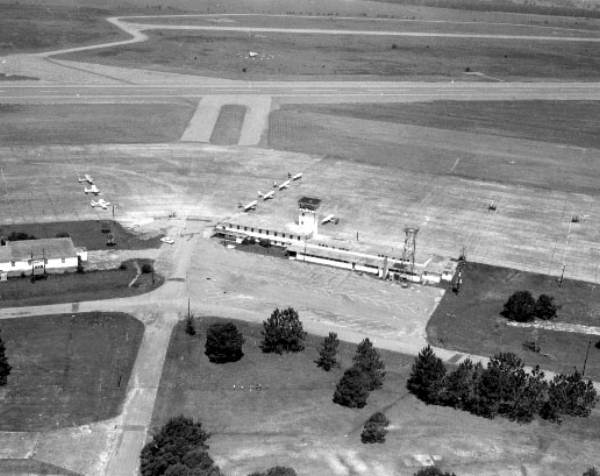 1972 Mar Municipal Airport - James L. Gaines